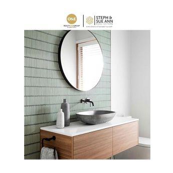Finger tiles are trending-do you like this look? #stephandsueann #utahrealestateagent #realestateagent #realestate #tile #fingertile #tiletrends #bathroomtiles #kitchentiles #hometrends #interiordesigntrends #homes #bathrooms #kitchens #walltile