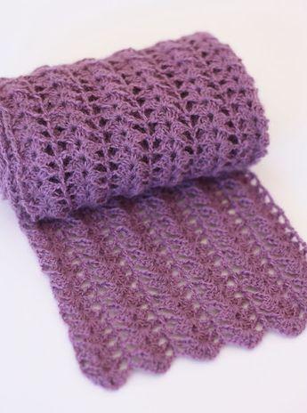 Crocheted Scarf {Free Pattern} | A Spoonful of Sugar - very simple yet elegant.