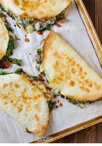 If you are looking for an easy, restaurant-quality Vegetarian Recipes , you've come to the right pin! | Vegetarian, Vegetarian Recipes, Vegetarian Meals , Vegetarian Dinner, Vegetarian Recipes Dinner, Vegetarian Meal Prep, Vegetarian Recipes Healthy, Pizza