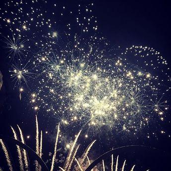 #fireworks #laflotte #iledere #familytime #summer #night #amazing #holidays  #fireworks #laflotte #iledere #familytime #summer #night #amazing #holidays