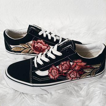 LOW TOP Unisex Custom Rose Floral Embroidered Patch Vans Old-Skool Sneakers 1f04fedb8