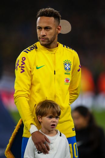 LONDON, ENGLAND - NOVEMBER 16: Neymar Jr of Brazil during the International Friendly match between Brazil and Uruguay at Emirates Stadium on November 16, 2018 in London, England. (Photo by Robbie Jay Barratt - AMA/Getty Images)