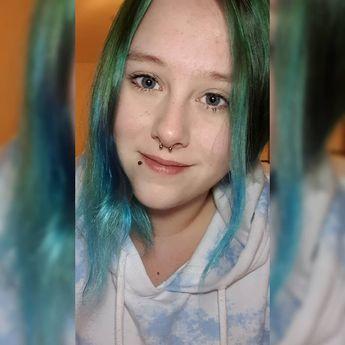 #nofilter #greyeyes #bluehair #greenhair #happy #meinhirnisgradaus #lol  #nofilter #greyeyes #bluehair #greenhair #happy #meinhirnisgradaus #lol