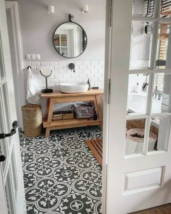 35+ Best Rustic Farmhouse Bathroom Makeover Ideas #rusticbathroom #bestbathroom #bathroomideas ~ naturerenewcleanses.net