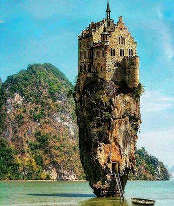 Castle in the sea...Ottawa..Photoshopped ????