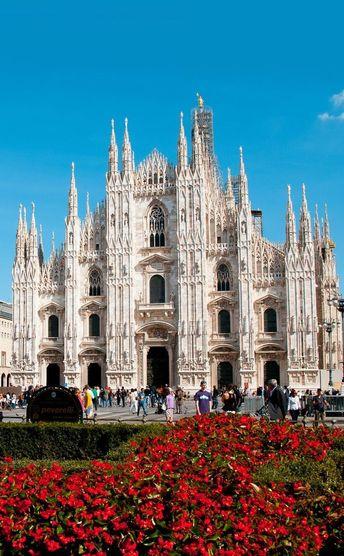Schöne Aussicht auf den Dom in Mailand | 10 erstaunliche Orte in Italien, die Sie ne ... - #auf #Aussicht #den #die #Dom #Erstaunliche #Italien #Mailand #Ne #Orte #schöne #Sie