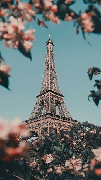 22 Best Summer Destinations - France Eiffel Towers View - watonmuni.com