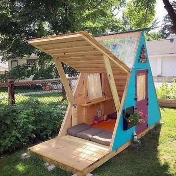 Virgin Ideas To Use Old Wooden Pallets