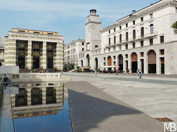 Una giornata da turista a Brescia - Scatti e Bagagli-Piazza Vittoria