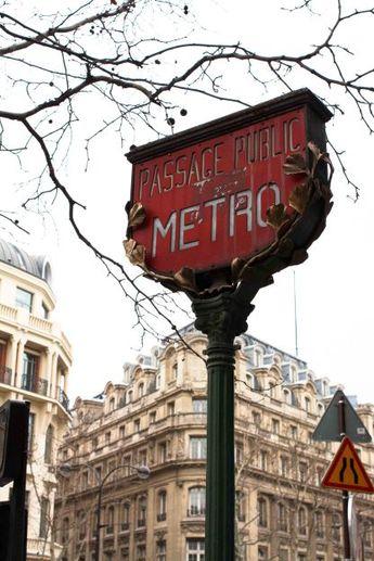 Paris Metro Signs