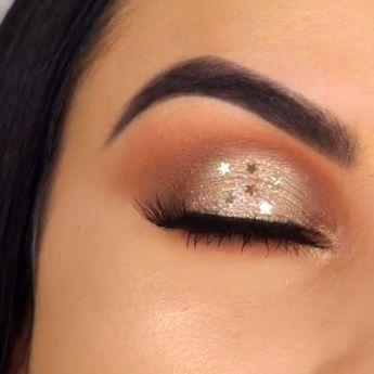 Favorite Beauty Eye Makeup Looks Ideas 38 #beautyeyemakeup #eyemakeupideas