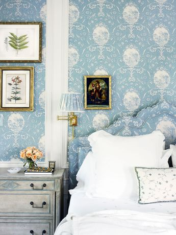 How to Create the Shabby Chic Bedroom of Your Dreams