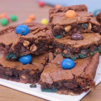Les brownies, c'est tellement plus fun quand on y ajoute des M&M's!