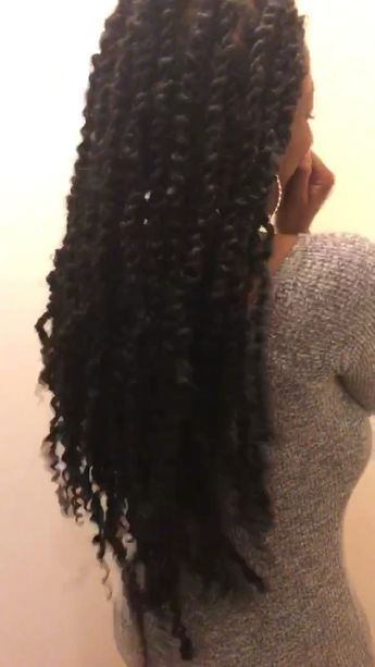 Passion Twists in Chicago Il | #passiontwists #hair #beauty #locjourney #naturalhairstyles #chicago #marleytwist #naturalhair #protectivestyles #braids