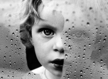 Magazino1: Ένα παιδί που δεν πήρε αγάπη από τους γονείς του, ...