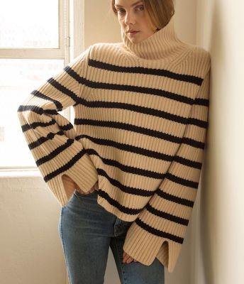 #khaite #chunkyknits #stripedsweater