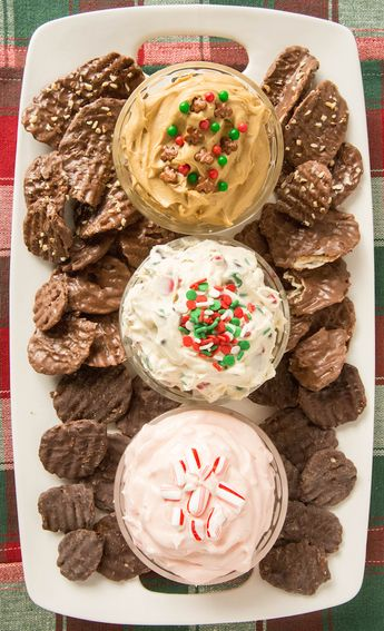 Christmas Dessert Dip Platter with Chocolate Wavy Lay's