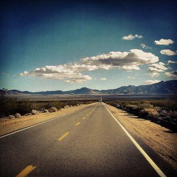 Down The Road #Mojave #California #vanishingpoint #igers