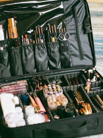 What's Inside My Pro Makeup Kit