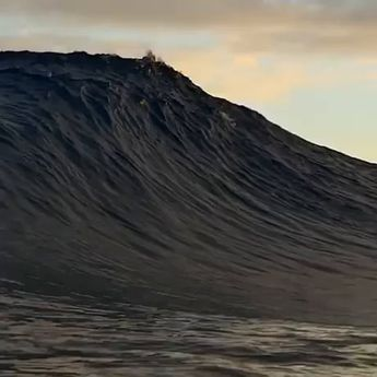 The way this wave crashes down