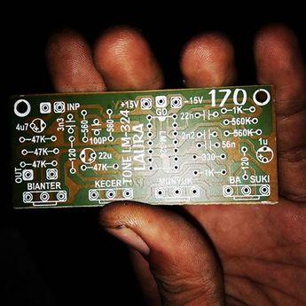 Stereo Tone Control Circuit uses TL084/ TL074