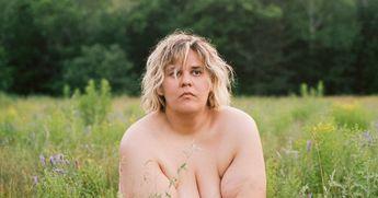 Les célébrités québécoises réagissent au vidéoclip dénudé de Safia Nolin