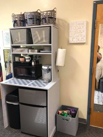 Note the paper towel holder, baskets holding the food, Magic bullet, can you have a toaster oven?