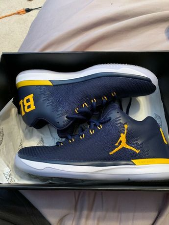 58524bd254f Air Jordan 31 low Michigan Size 10 USED  fashion  clothing  shoes   accessories