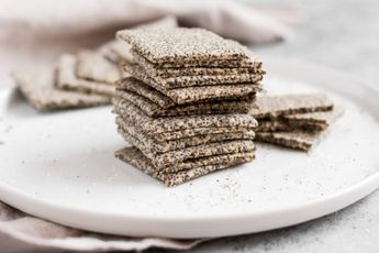 Crunchy Chia Seed Crackers