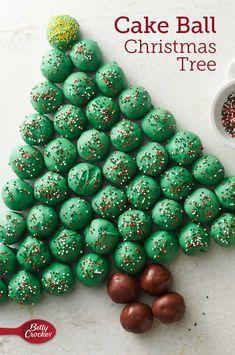 Cake Ball Christmas Tree