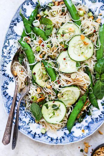 Crunchy Cold Noodle Salad | www.floatingkitchen.net