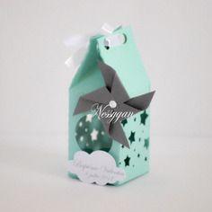 Boîte pour dragées vert d'eau-menthe thème étoiles et moulin à vent pour baptême, mariage