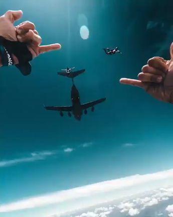 Sky Diving At It's Finest 🤘💯 🎥: Guillaume Cornet Films #Sharethelove! #Travel #Tour #Tourism #SundayMorning #SundayMotivation #SundayThoughts #TravelokaEpicSale #landscape #landscapephotography #landscapelovers #Tours #Tourism #travelers #sky #Moonlightmoments  #Traveljolly