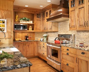 Should Your Flooring Match, Or Contrast With, Your Kitchen Cabinets? Hereu0027s  One Instance