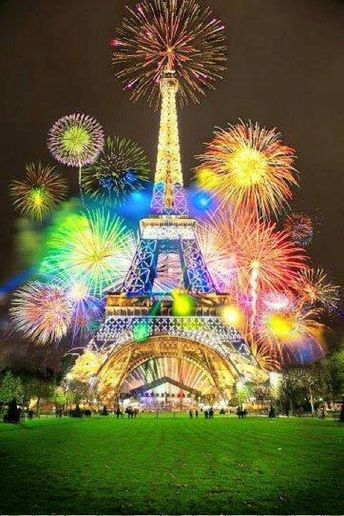 Awesome Photos Of New Year's Firework Displays Around The World - IntradayFun
