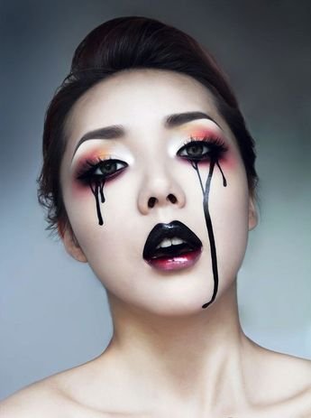 Happy Halloween Day: 30 Gothic Halloween Makeup Ideas