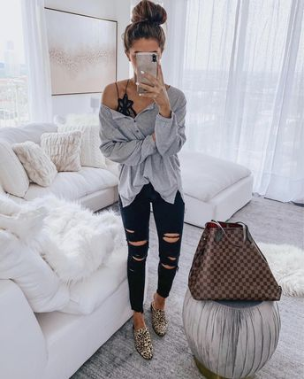 Distressed high waisted skinny jeans