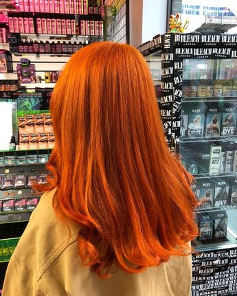 Flaming Orange by loren miles #tangerinedream | Fur-frauen.com |  #haarfarbe