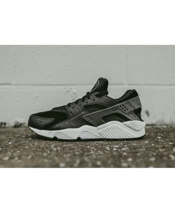 the latest 3c769 56567 Nike Air Huarache Black Snake Python Skin Trainer Material using a  high-fiber molecular material