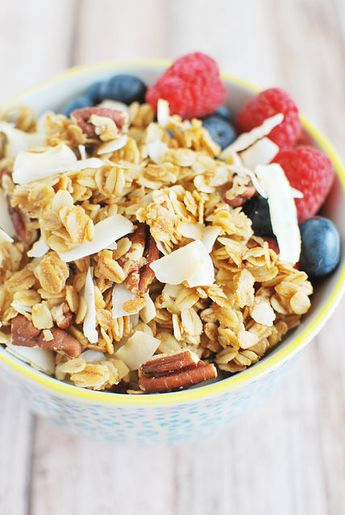 Homemade Coconut Pecan Granola Recipe