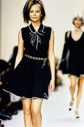 Collection Prêt-à-Porter Printemps 1994 de Chanel – Vogue