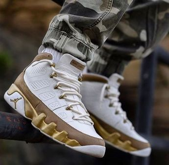 4554ed2e41  reebok  newbalance  sneakers  sneakerhead  shoes  fashion  trends  nike
