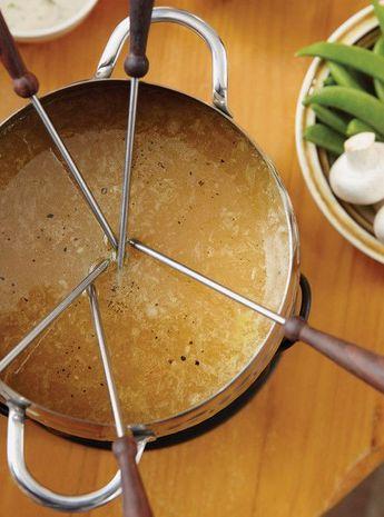 Bouillon à l'ail rôti (pour fondue de viandes et gibiers)