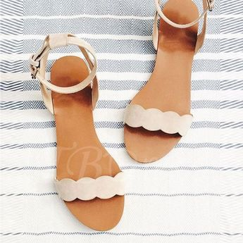 855b24bfe116 summer accessories   a few beauty favorites (caitlin cawle