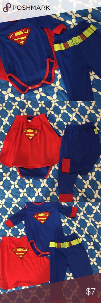 Set 3 pieces Superman. Pajama Fly away in this onesie with matching Superman Cape! Your baby is your superhero and it shows with this onesie! Description: Superman Boys Newborn Creeper W/ Cape Color: Blue Label: DC Comics Composition: 60% Cotton 40% Polyester - Cape: 100% Polyester Pre Owner Like New Size 6-12 month DC Comics Pajamas Pajama Sets