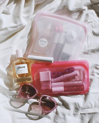 you can throw your stasher bags right in the dishwasher or boil them! perfect for cosmetics. photo via @overglowedit #plasticfree #reusable #skincare #glossieryou #inmybag #glossier