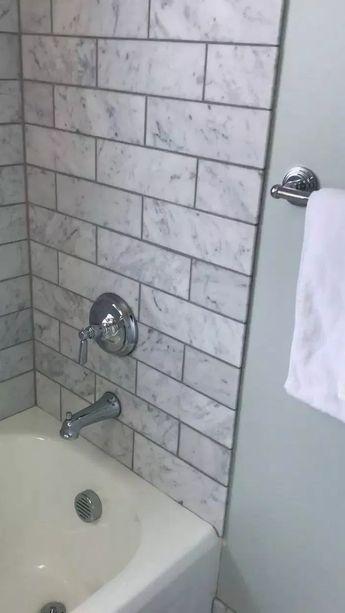 33+ Stunning Farmhouse Small Bathroom Decorating Ideas #bathroomdecor #smallbathroom #masterbathroom ~ Home Design Ideas