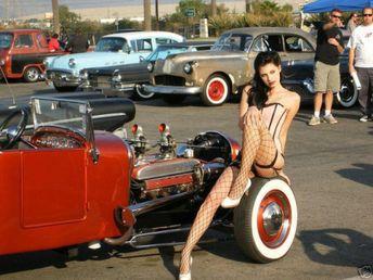 pinup-hotrod:Hotrod Pinup   #model #retro #curves #ratrod