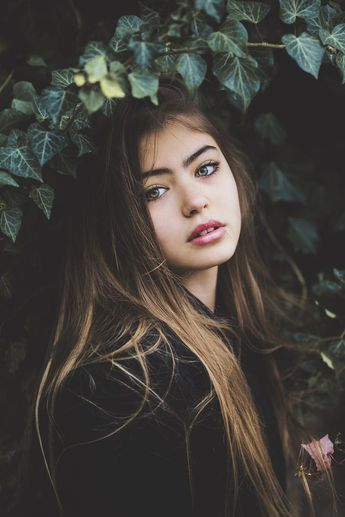 Portrait Photography Inspiration : Beautiful girl with green eyes