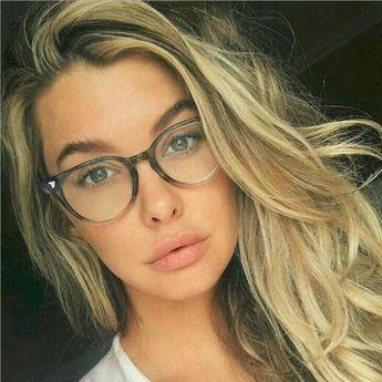 38a6f3a0c504 REALSTAR Vintage Rivets Eyeglasses Frames Women Myopia Glasses Optical  Frame Computer Fashion Eyewear Glasses Men Oculos